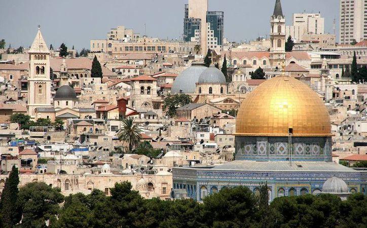 Un rabino israelí experto en la Biblia asegura que el redendor del pueblo judío llegará al mundo en 2016. En la imagen, la ciudad sagrada de Jerusalén. (Archivo/Agencias)