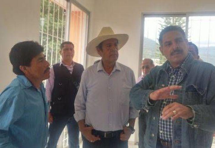 De visita por Amojileca en Chilpancingo Ortega dijo que hizo gestiones para que los miembros de la CRAC fueran recluidos en cárceles de Guerrero. (Rogelio Agustín Esteban/Milenio)