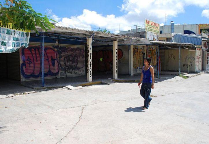 El deterioro de la ciudad es lo que ocasiona que el turismo decida no visitar el centro. (Jesús Tijerina/SIPSE)