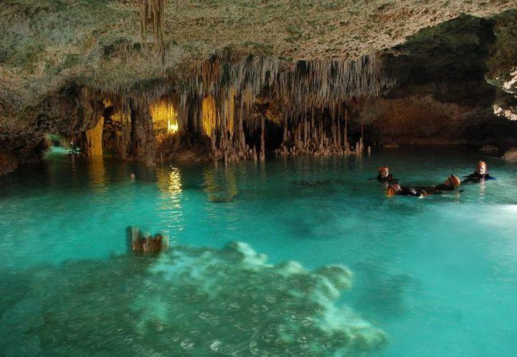 Río Secreto se localiza en el corazón de la Riviera Maya, a pocos kilómetros de Playa del Carmen; fue descubierto en 2008. (Israel Leal/SIPSE)