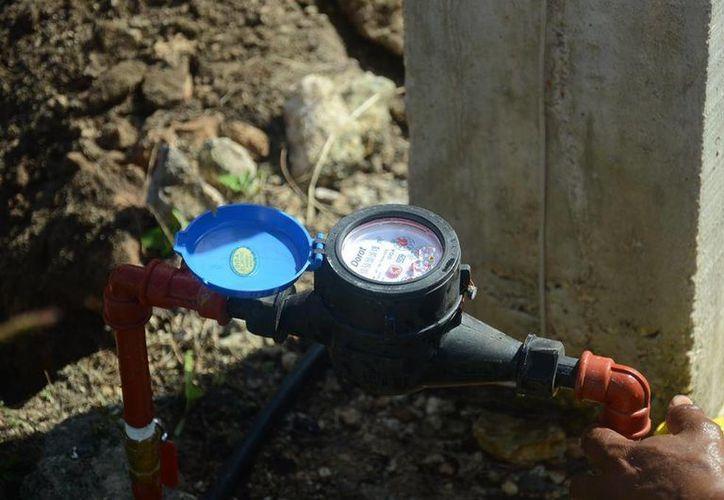 Inicia la instalación de medidores para generen conciencia en la importancia del uso responsable del agua. (Redacción/SIPSE)