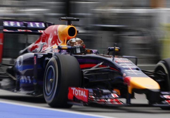 Ecclestone aboga por regresar a los motores de ocho cilindros en V. (Foto: Agencias)