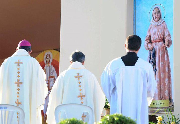 Ceremonia religiosa con motivo de la beatificación de 'Nhá Chica'. (EFE)