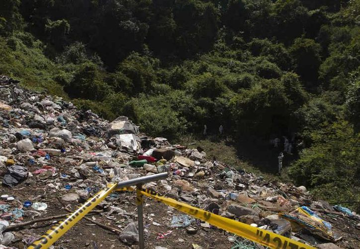 Imagen de archivo del basurero de Cocula donde se afirma que fueron incinerados los 43 normalistas de Ayotzinapa. (telemundo.com)