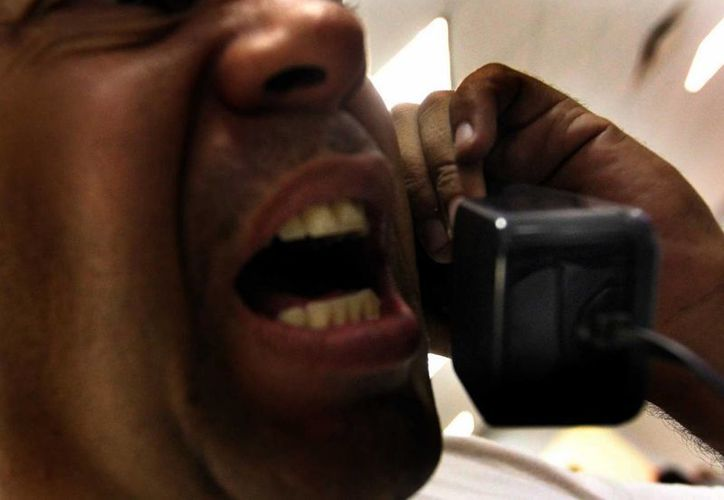 Los extorsionadores amenazan a gritos a sus víctimas. (Milenio Novedades)