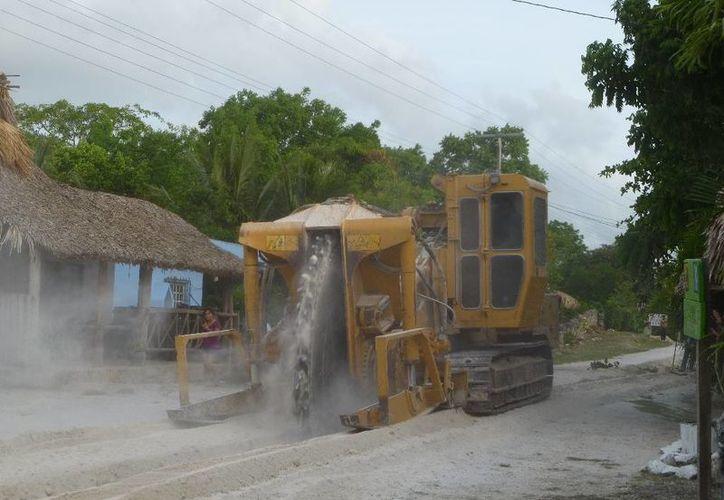 Realizan ampliación de red de agua potable. (Raúl Balam/SIPSE)