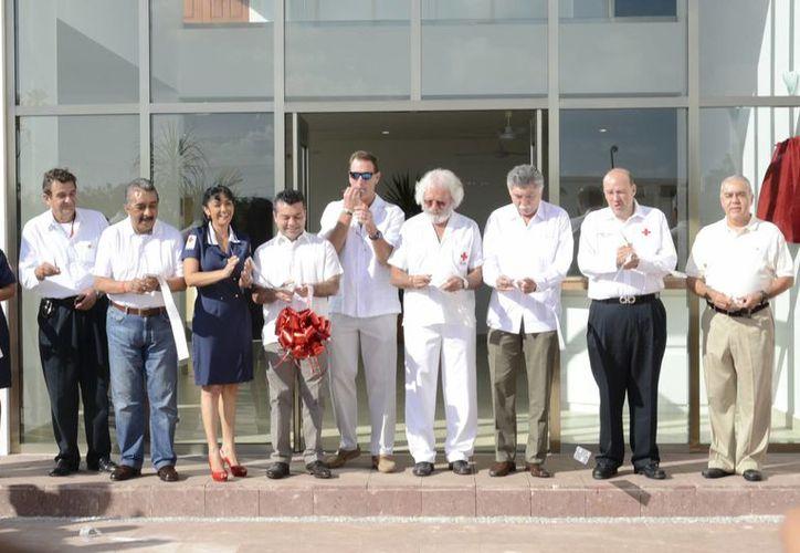Fernando Suinaga llegó a esta ciudad a inaugurar la nueva sede del Cruz Roja. (Adrián Barreto/SIPSE)