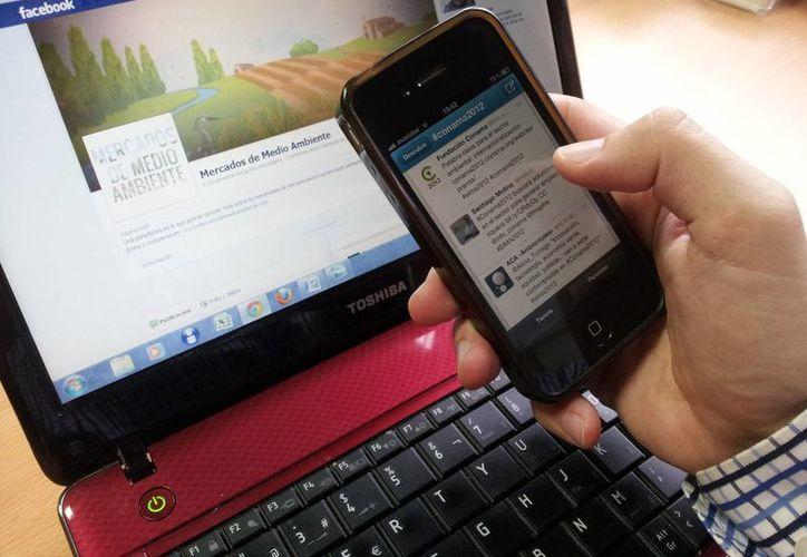 Evita publicar en tus redes sociales que te ausentarás de casa. (Milenio Novedades)