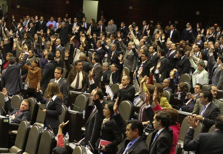 Sesión de la Cámara de Diputados. La nueva Ley de Justicia para Adolescentes  es aplicable a jóvenes de 12 años a menores de 18. (Notimex)