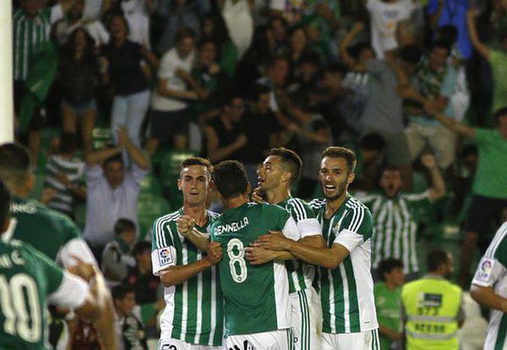 El Real Betis Balompié también conocido como Betis, es una entidad polideportiva con sede en Sevilla, España. (Cortesía)