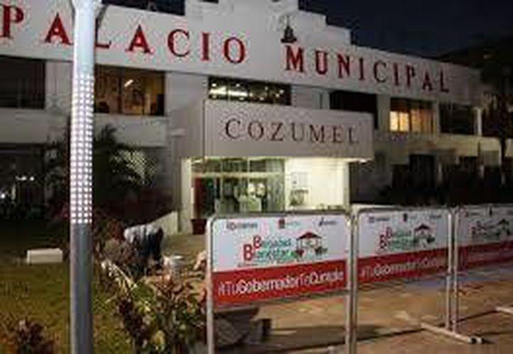 Buscan que funcionarios del Ayuntamiento paguen préstamo otorgado. (Archivo/SIPSE)