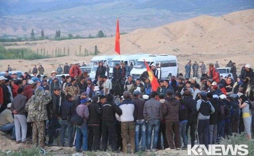 Al menos 50 heridos en una protesta contra una minera canadiense en Kirguistán. (RT)