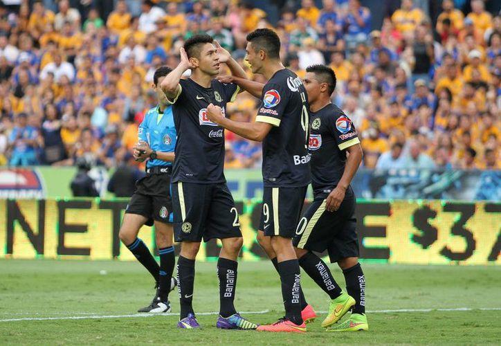 El 'Cepillo' Peralta adelantó al América en el minuto 22 con una jugada individual dentro del área. (Foto: Jam Media)
