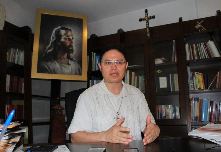 Luis Octavio Jacobo Cortés, canciller de la Prelatura Cancún-Chetumal, fue elegido por el Papa Francisco. (Luis Soto/SIPSE)