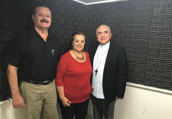 Monseñor José Rafael Palma Capetillo, obispo auxiliar de Xalapa, compartió con el auditorio de Salvemos Una Vida su mensaje navideño. (SIPSE)
