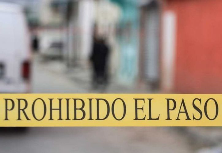 Policías estatales se trasladaron al lugar donde encontraron sin vida a una de las víctimas. (Excélsior)