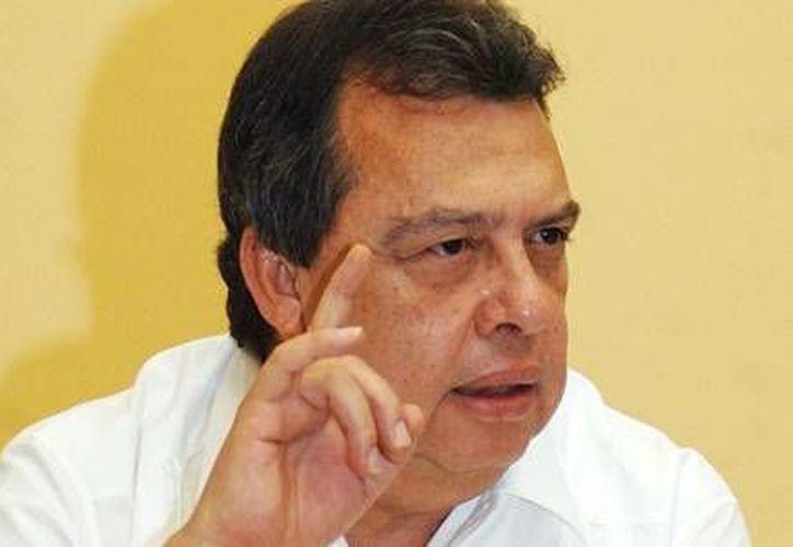 El gobernador Ángel Aguirre Rivero estuvo presente en la quinta mesa de negociación. (Notimex/Archivo)