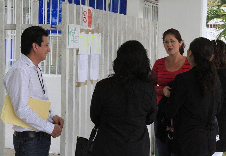 De los 325 maestros programados del turno matutino, 19 no se presentaron. (Ángel Castilla/SIPSE)
