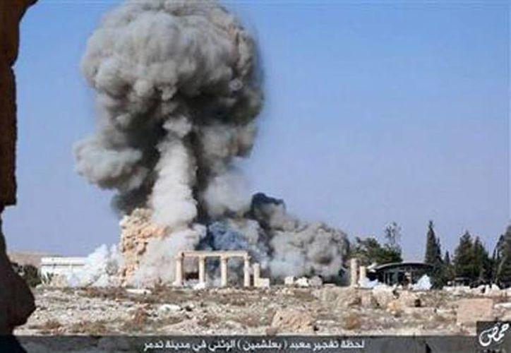 Imagen de una explosión en un templo de dos mil años de antigüedad situado en la ciudad de Palmyra. (Agencias)