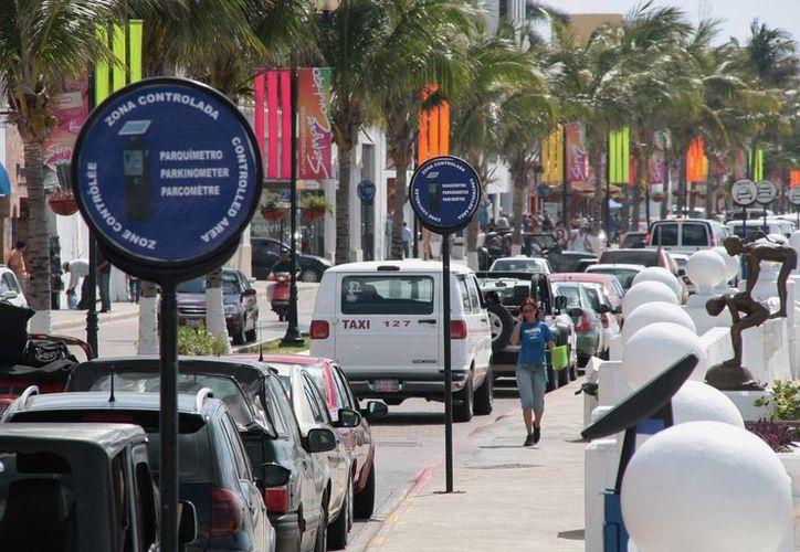 Pretenden evitar el congestionamiento vial en Cozumel. (Gustavo Villegas/SIPSE)