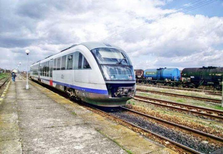 El tren transpeninsular fue una promesa que hizo el presidente Enrique Peña Nieto. (SIPSE/Archivo)