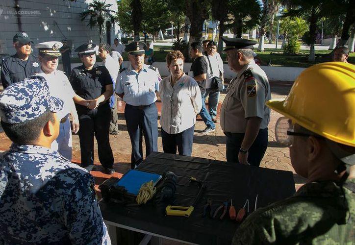 La campaña busca prevenir los accidentes por el uso inadecuado de las armas en Cozumel. (Foto: Redacción)