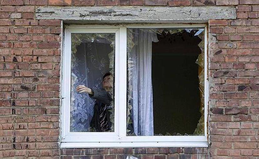 Si en un edificio aparece una ventana rota, y no se arregla pronto, inmediatamente el resto de ventanas acaban siendo destrozadas. (Contexto/Internet)