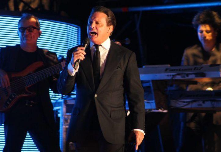 La de Univisión será la segunda serie que aborde la vida de Luis Miguel. (Archivo/ agencias)
