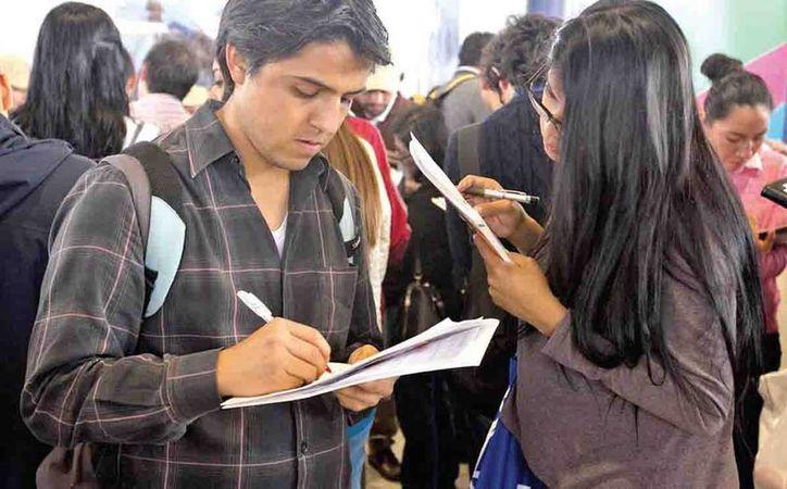 Ante la dificultad para conseguir empleo el ingenio de los mexicanos es la tabla de salvación. (excelsior.com.mx)