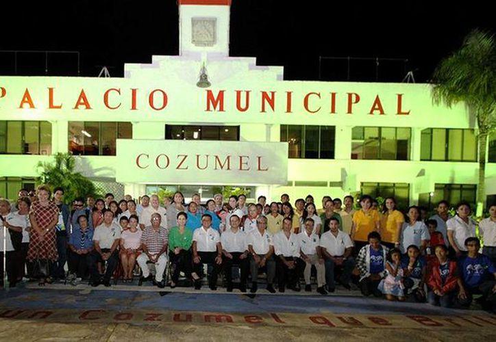 En el evento estuvieron autoridades e integrantes de la Red de Organizaciones de la Sociedad Civil. (Cortesía/SIPSE)
