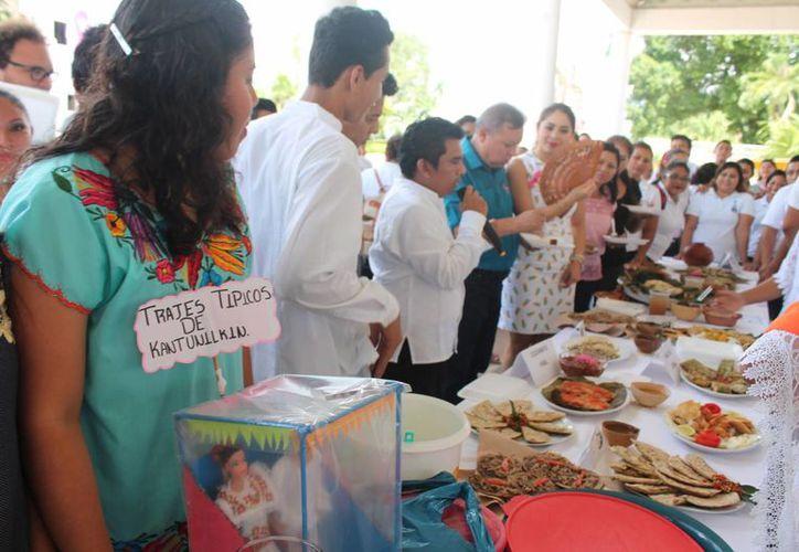 Elogian la gran participación de los grupos organizadores. (Raúl Balam/SIPSE)
