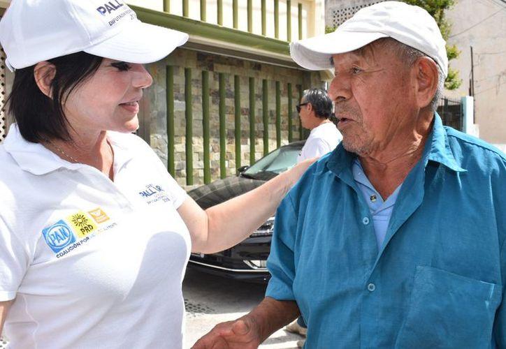 """Las iniciativas de la coalición """"Por México al Frente"""" en el plano nacional y """"Por Quintana Roo al Frente en lo estatal"""", plantean mayores oportunidades de desarrollo para todos los que tienen que ver con el sector educativo. (Redacción/SIPSE)"""