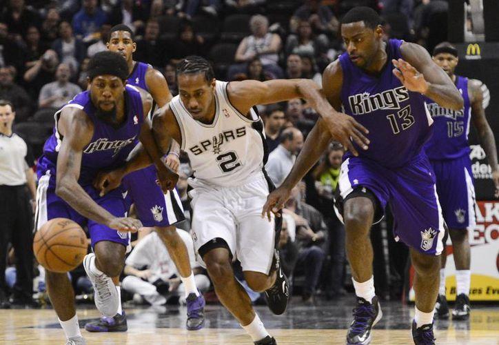 Los Spurs sumaron su séptimo triunfo en los últimos 10 partidos. (Foto: EFE)