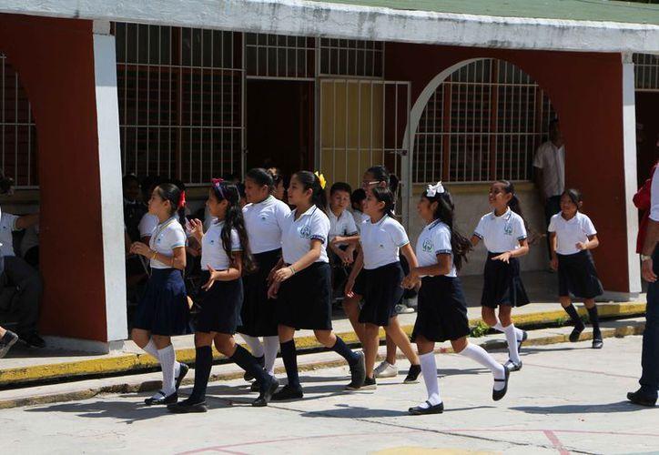 Los montos de la beca que se entrega cada seis meses a los alumnos no se modificarán. (Paola Chiomante/SIPSE)