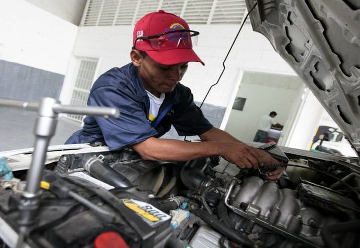 Al elegir un taller mecánico automotriz debes tener en cuenta aspectos como el orden y la honestidad del personal. (Contexto/Internet)