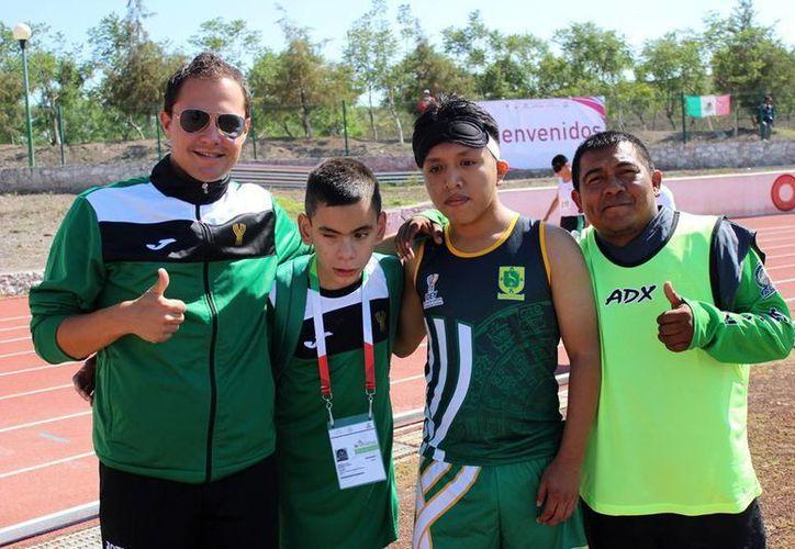 Imagen de medallistas yucatecos en la Paralimpiada de Querétaro. (Milenio Novedades)