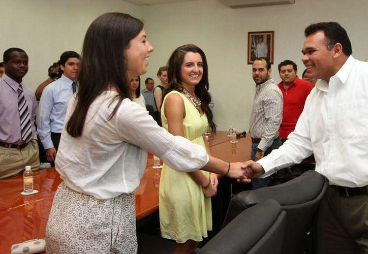 Los alumnos de la Univerisidad de Michigan  nombraron a Zapata Bello miembro honorario de la casa de estudios. (Cortesía)