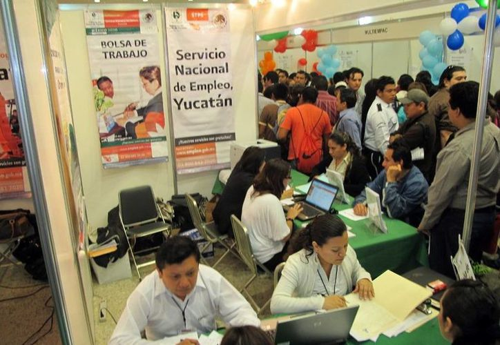 La oferta laboral en Yucatán se ha extendido a ferias de trabajo y a la Internet. (Milenio Novedades)
