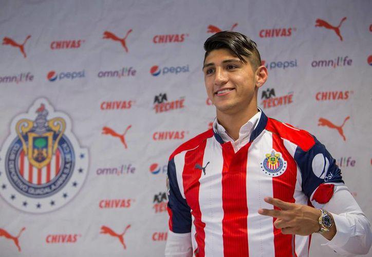 Alan Pulido fue secuestrado a mediados del 2016 y meses después confirmó su traspaso a las Chivas de Guadalajara. (Notimex)
