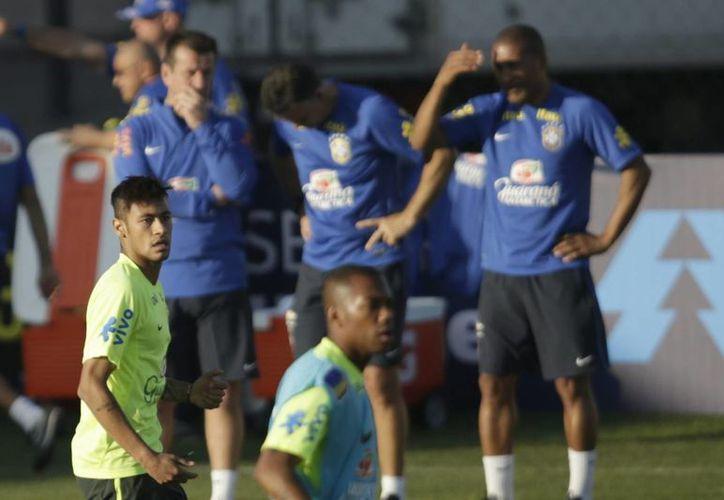 Neymar fue sancionado con cuatro partidos tras incidentes en el partido ante Colombia. (EFE/Archivo)