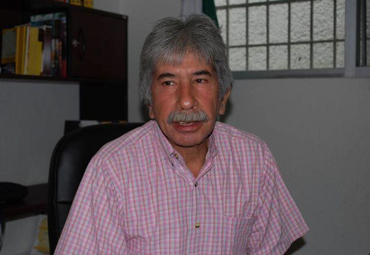 Julio César Lara Martínez, presidente del PRD, durante una entrevista. (Tomás Álvarez/SIPSE)