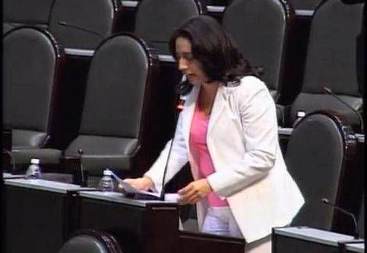 Tras su propuesta a favor del presidente del Cruz Azul, la diputada Mariana Bautista fue objeto de abucheos. (Milenio. Foto especial)
