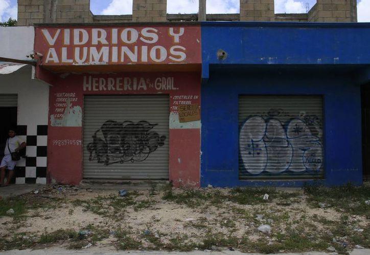 Las pequeñas empresas no cuentan con recursos para continuar su operación. (Tomás Álvarez/SIPSE)