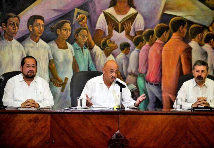 En sesión del Consejo Universitario se acordó el tema del ingreso a la Uady. (Milenio Novedades)