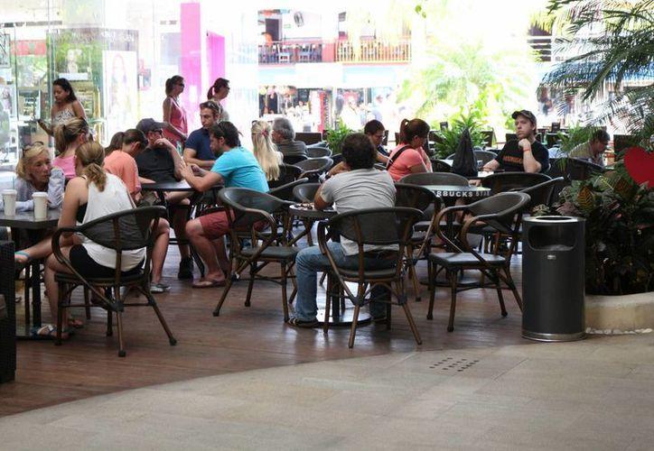 Los restauranteros esperan un repunte en su ocupación con motivo del 14 de febrero. (Adrián Barreto/SIPSE)