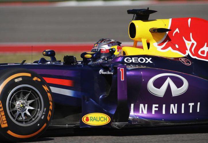 La vuelta de Vettel de 1 minuto 37.305 segundos fue la más rápida de las dos sesiones de prácticas en Austin, Texas. (Agencias)
