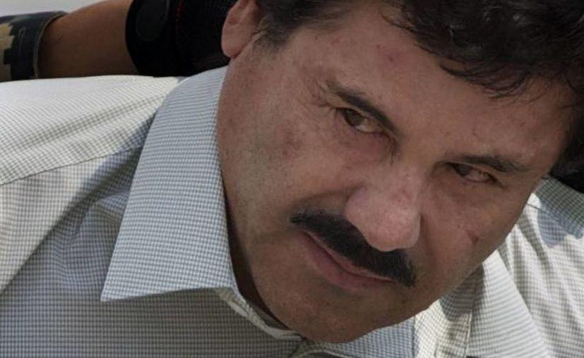 Expertos creen que 'El Chapo' continuaba dando órdenes desde prisión para que su negocio criminal funcionara. (Archivo/AP)