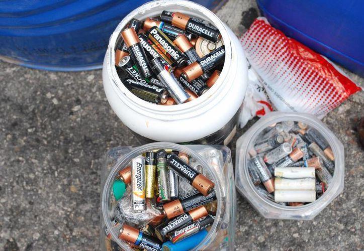 En Cancún sólo en tres lugares hay contenedores para depositar las pilas que no se usan, en Sams, Costco y City Club. (Tomás Álvarez/SIPSE)