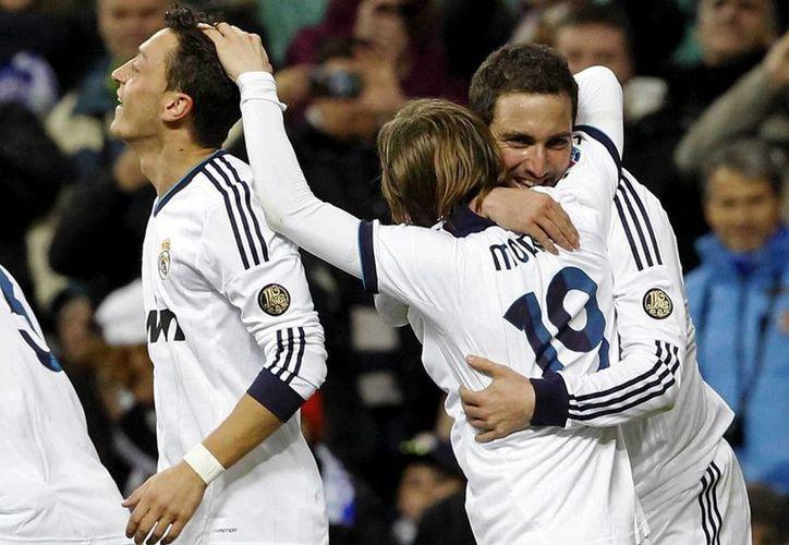 eis minutos de golpes de talento y puntería reanimaron al Real Madrid. (Foto: EFE)
