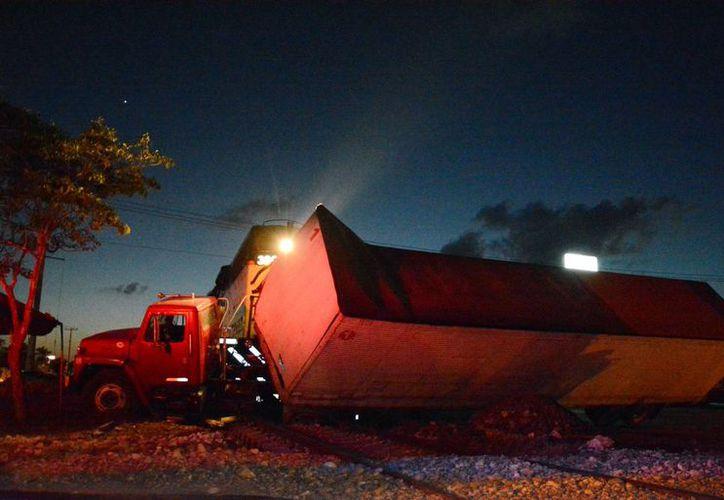 El conductor del tráiler huyó del lugar del accidente en la carretera Mérida-Umán. (SIPSE)